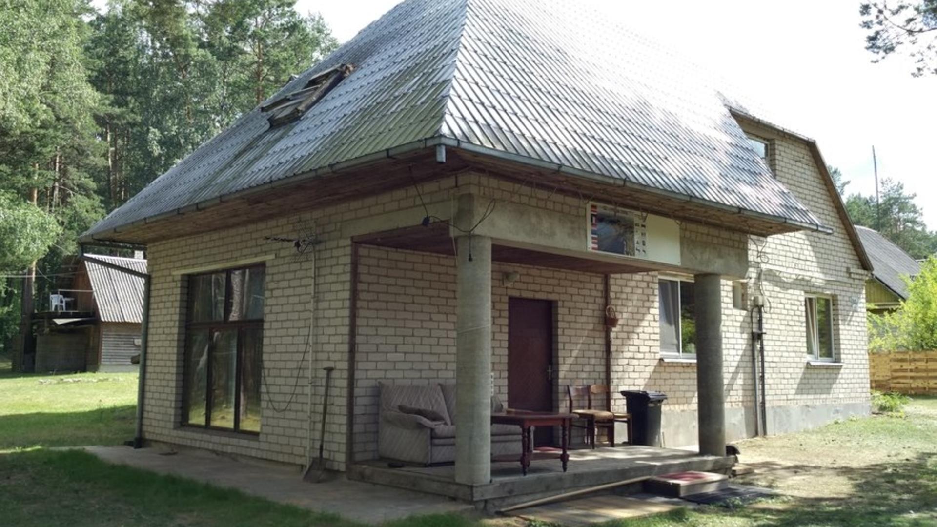 Arvydas Gaidelis lauku mājā