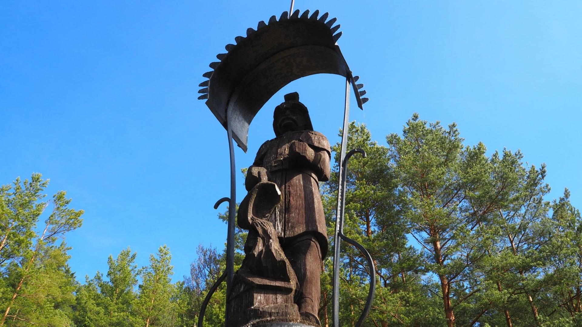 Koka skulptūru ansamblis