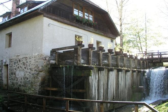Gaveikėnų vandens malūnas