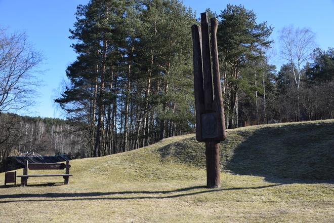 Monument komponists Mikas Petrauskas